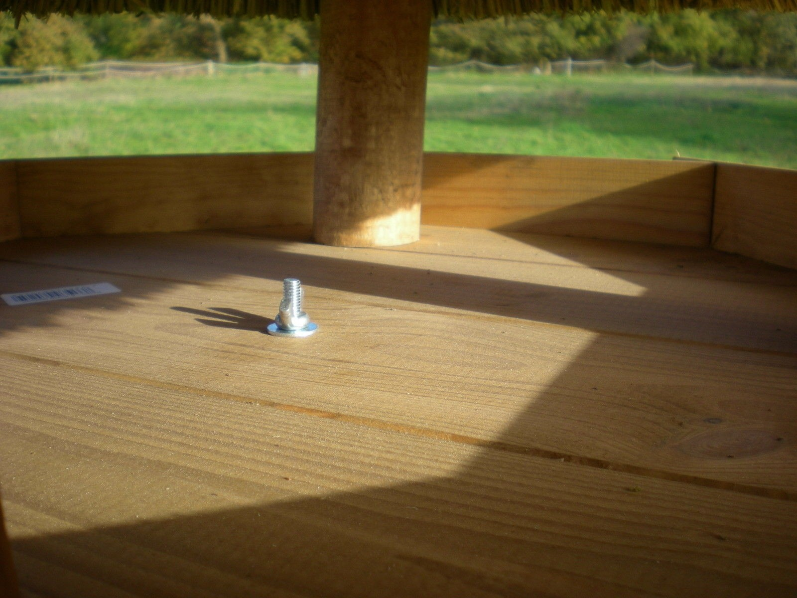 reetdach vogelhaus stetin gross mit st nder vollwaren. Black Bedroom Furniture Sets. Home Design Ideas