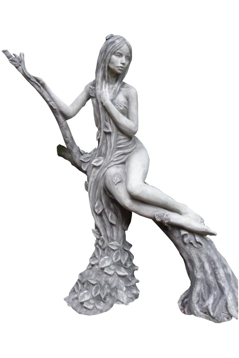 Skulptur Baumhüterin Buche Steinguss
