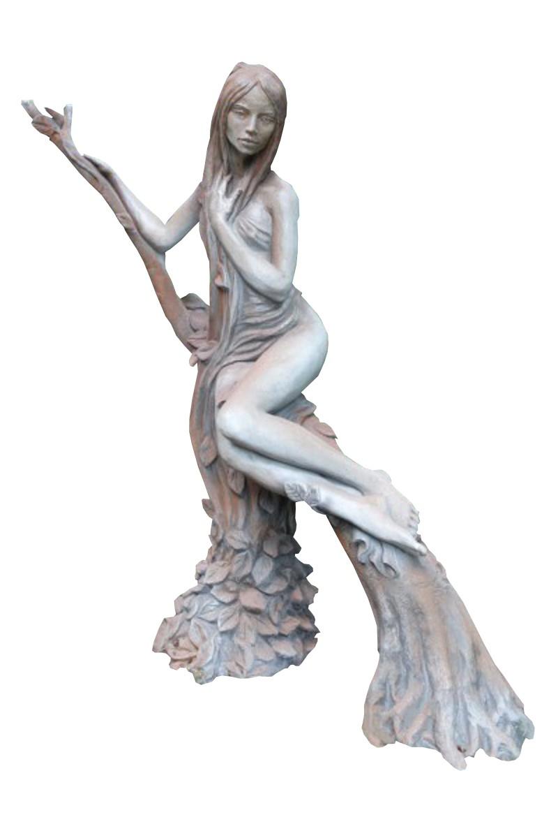 Skulptur Baumhüterin Buche Rosteffekt