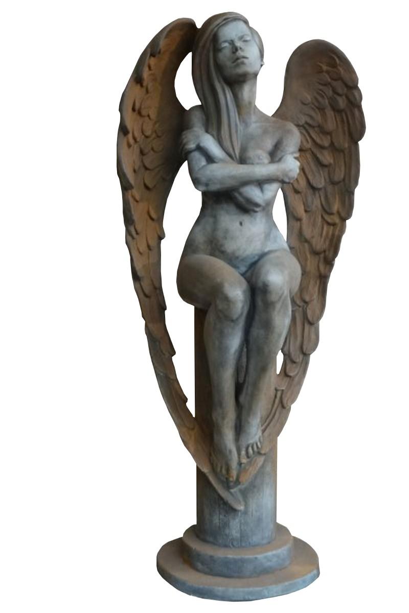 Skulptur Engel Eloa auf Sockel Rosteffekt
